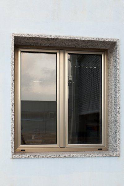 Infissi esterni per negozi serramenti in alluminio - Infissi esterni in alluminio ...